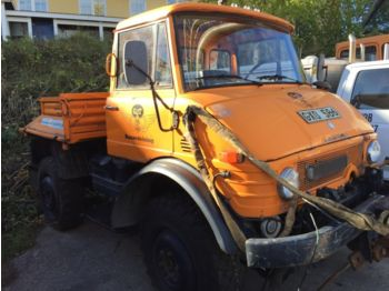 UNIMOG 406 - construction equipment