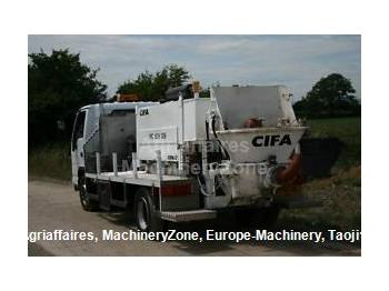 Isuzu NQR/ Cifa line pump - construction machinery